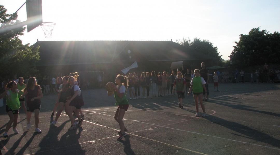 Basket sur la cours